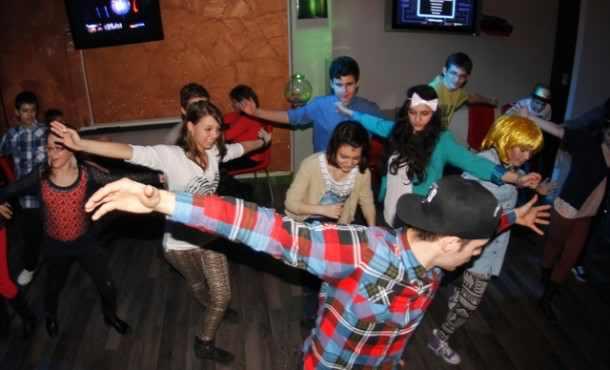 Street dance cu adolescenti