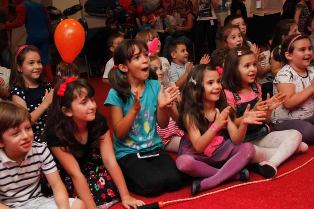 petreceri corporate pentru copii